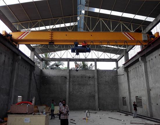 top running single girder crane