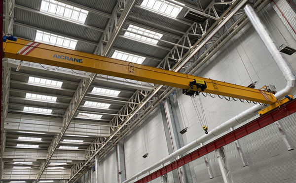 HD10T overhead crane for sale in Uzbekistan